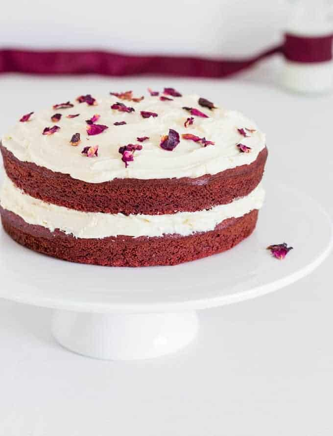 Super easy red velvet cake recipes from a pantry for Easy red velvet cake recipe uk