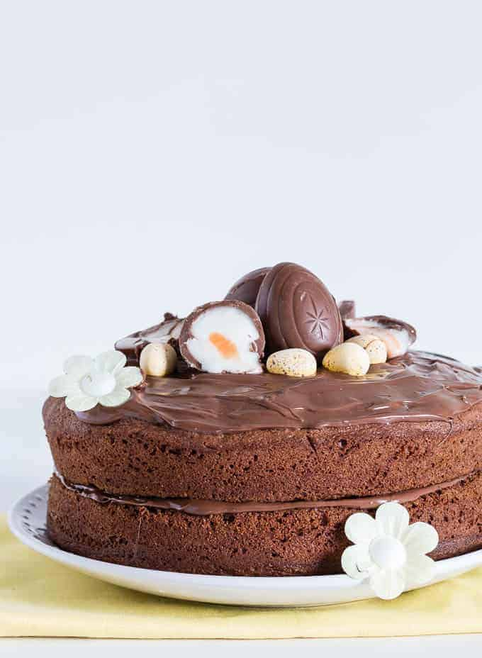 Cake With Cream Eggs : Creme Egg Peanut Butter And Nutella Cake With A Nutella ...