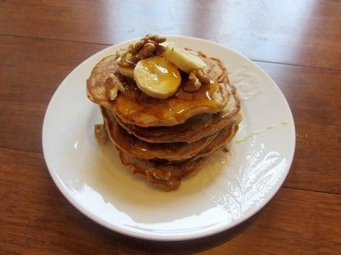 banana cinammon pancakes