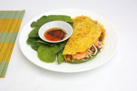Crispy Vietnamese Pancake Recipe - Banh Xeo