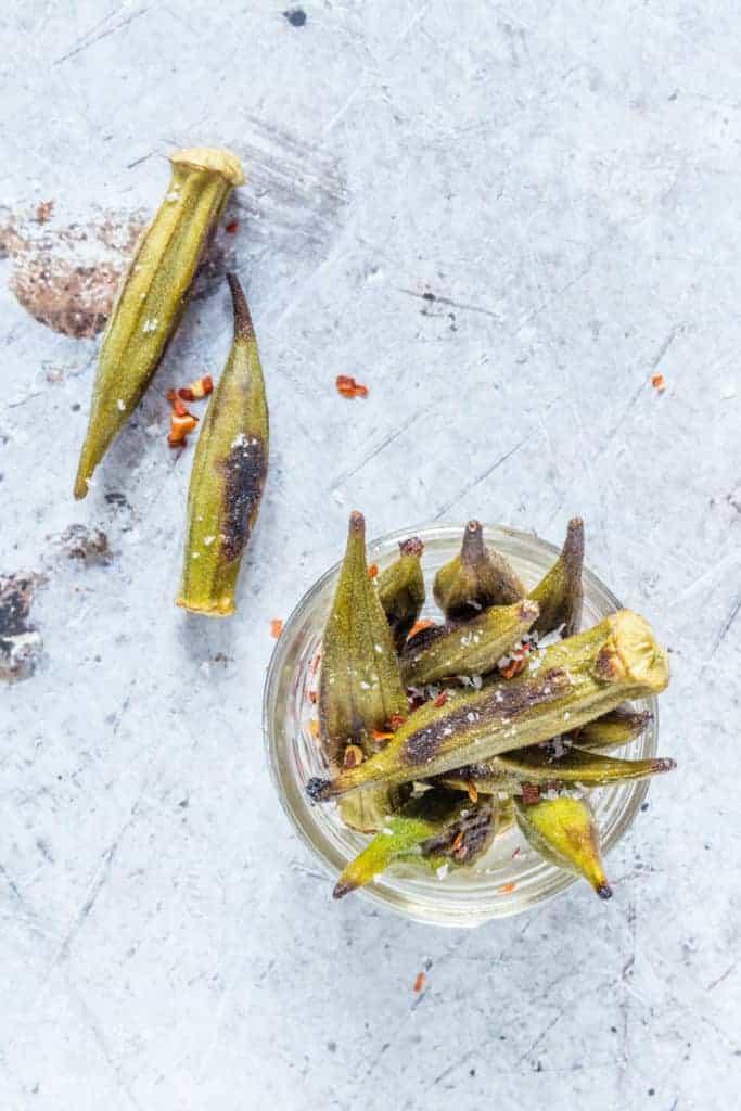Easy crispy roasted okra – makes a great snack. Recipesfromapantry.com