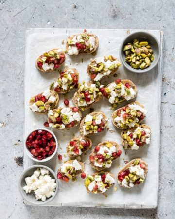 Need some easy Christmas Appetizer recipes? Then look no further than these colourfulPistachio, Feta and Pomegranate Crostini.