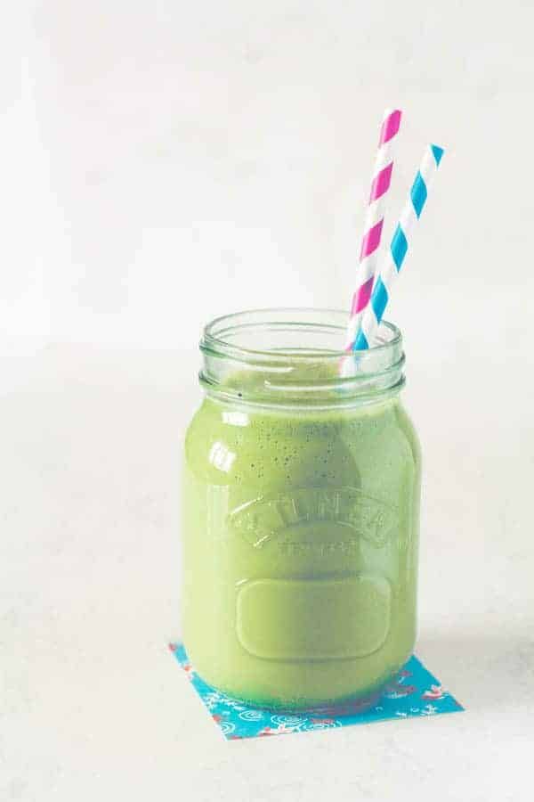 Peach Matcha Smoothie Recipe @ Recipes From A Pantry