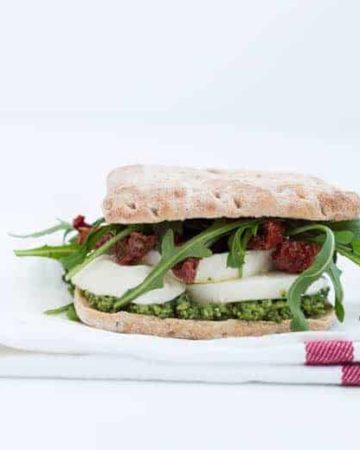 Mozzarella, sundried tomato and pesto sandwich | Recipes From A Pantry