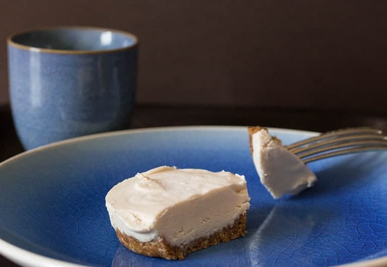 Easy Raw Cheesecake Recipe | Recipes From A Pantry