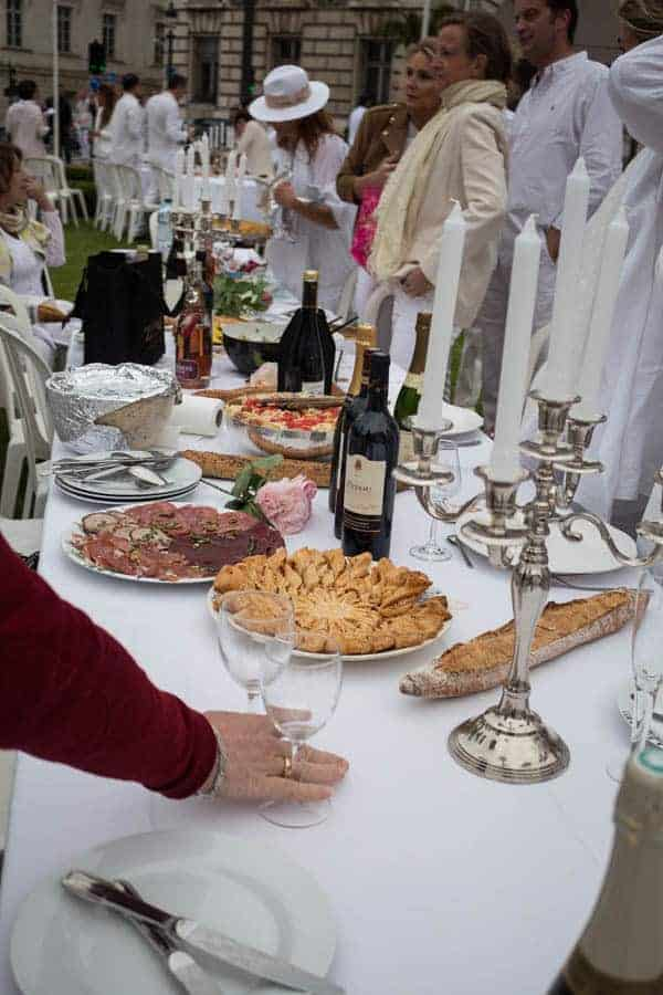Diner en Blanc Tours France | Recipes From A Pantry