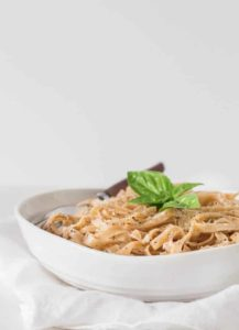 15 min Creamy Cheese and Black Pepper Pasta | Recipes From A Pantry