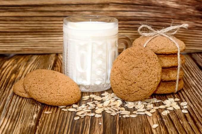 Milk and cookies shutterstock_401918758