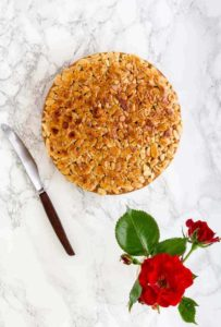 Toscakaka – Swedish Almond Cake With Caramel Almonds