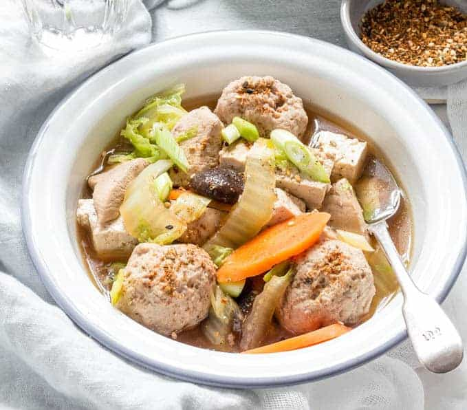 Chicken Sumo Stew – Tori Chanko nabe| Recipes From A Pantry