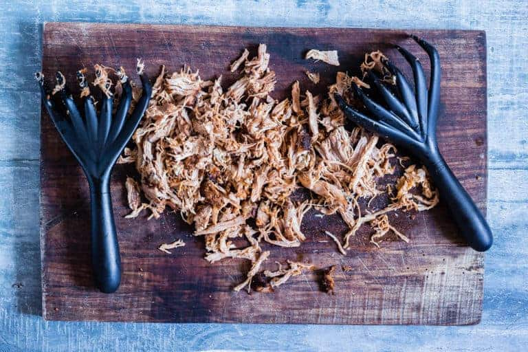 How to make spicy pulled pork on the bbq. A fun and easy spring bbq or summer bbq recipe. Recipesfromapantry.com