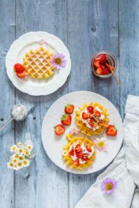 These marinated strawberry cheesecake waffles are a stunning brunch recipe. Try them yourself and see. Recipesfromapantry.com