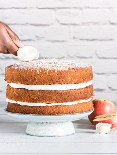 Almond cardamom apple layer cake recipe with cardamom scented cream. It is an easy and delicious cake perfect for autumn. recipesfromapantry.com #applelayercake #layercake #cardamomlayercake