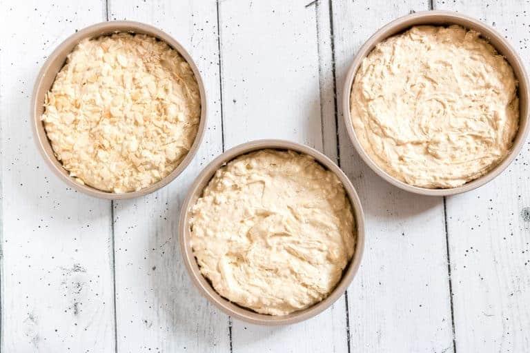 OXO good grips pro cake tins review-. recipesfromapantry.com #applelayercake #layercake #cardamomlayercake