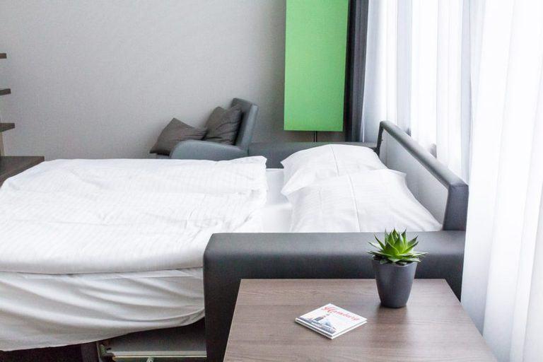 Apartment hotel - City break guide to Hamburg packed full with top things to do in Hamburg, where to eat in Hamburg and why visit this habour town. recipesfromapantry.com #hamburg #thingstodoinhamburg