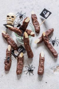 Need Halloween party favors, then try these zombie fingers made with just 5 ingredients. The recipe is vegan and gluten free too. recipesfromapantry.com #halloween #halloweenpartyfavors #zombiefingers #witchesfingers #veganhalloween