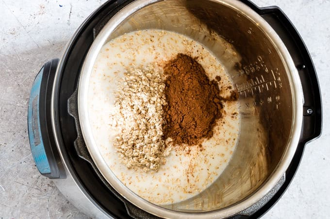 making instant pot oatmeal in the instant pot
