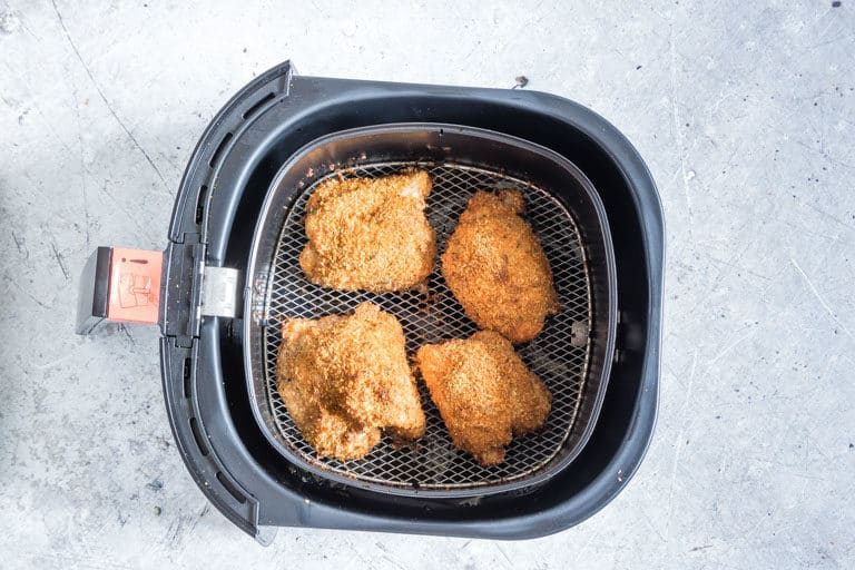 4 air fryer chicken thighs in an air fryer