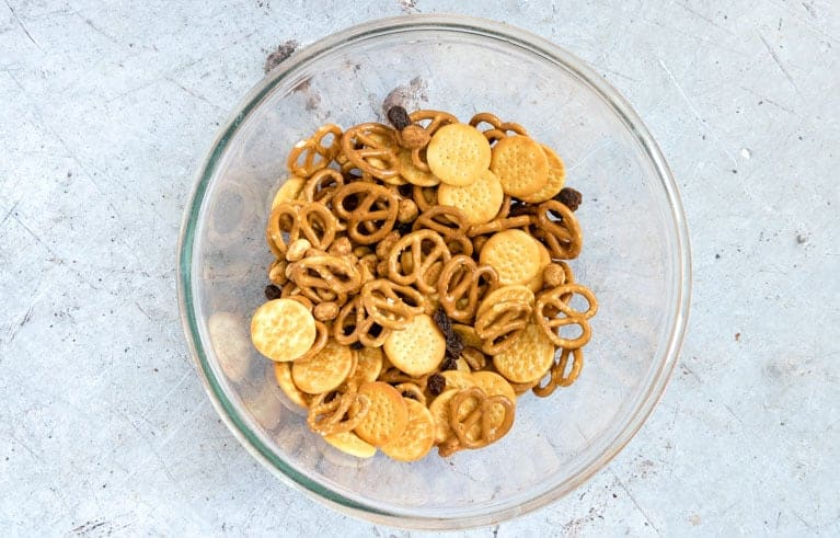 cheese snack mix recipes in a bolw