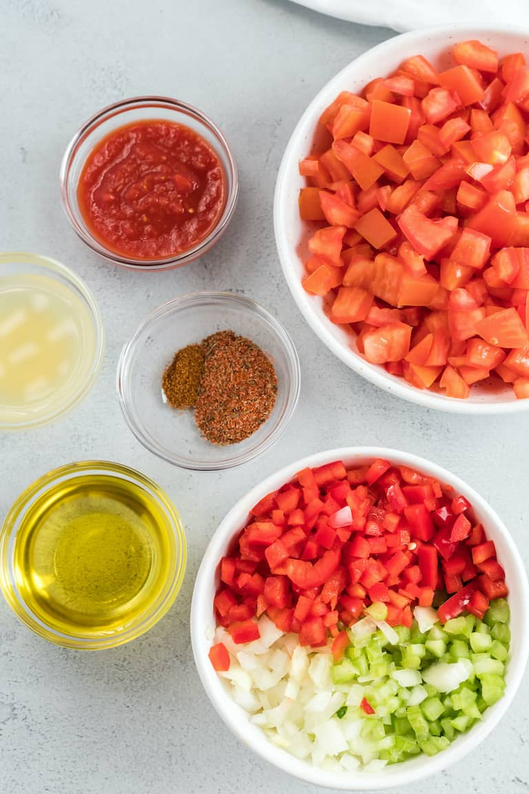 the ingredients needed for making creole sauce
