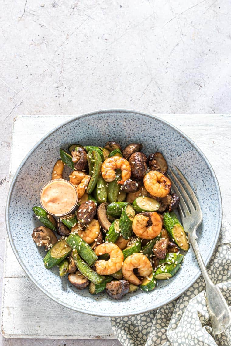 air fryer hibachi shrimp served with yum yum sauce