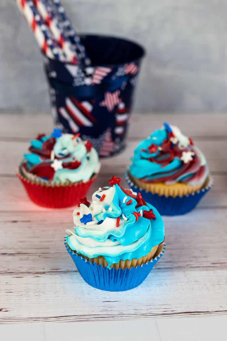 three 4th of July cupcakes