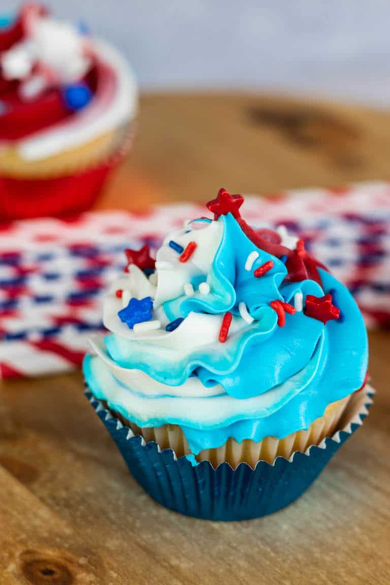 One of the finished 4th of July Cupcakes