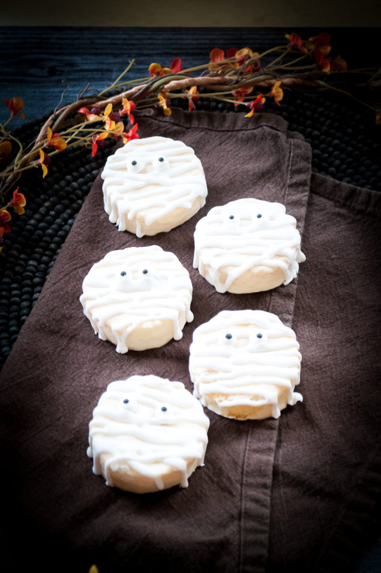 five mummy cookies ready to serve for Halloween