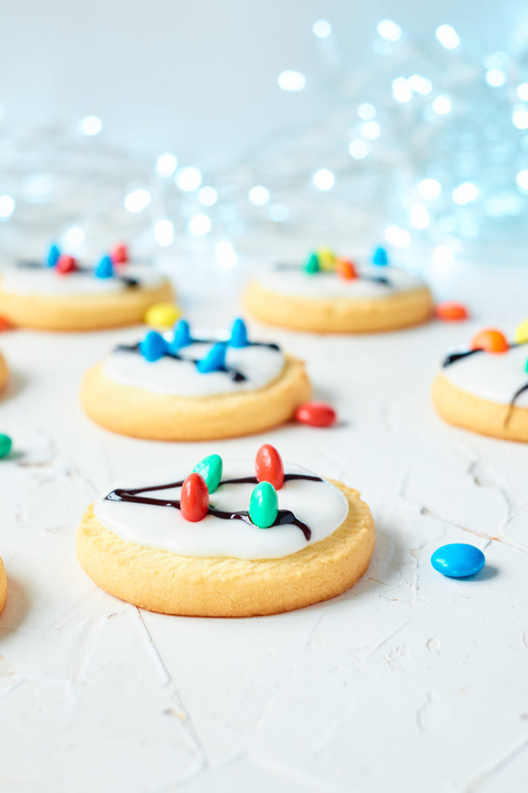 the completed Christmas Light Cookies ready to serve