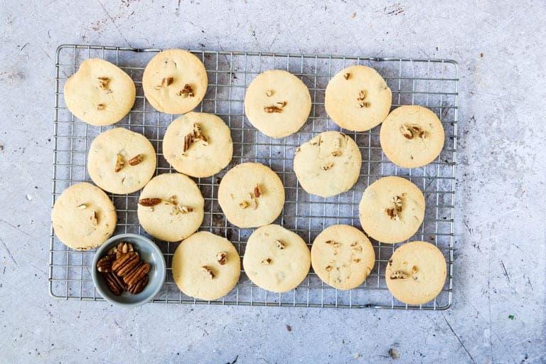 Pecan Shortbread Cookies + Tutorial {Vegan}