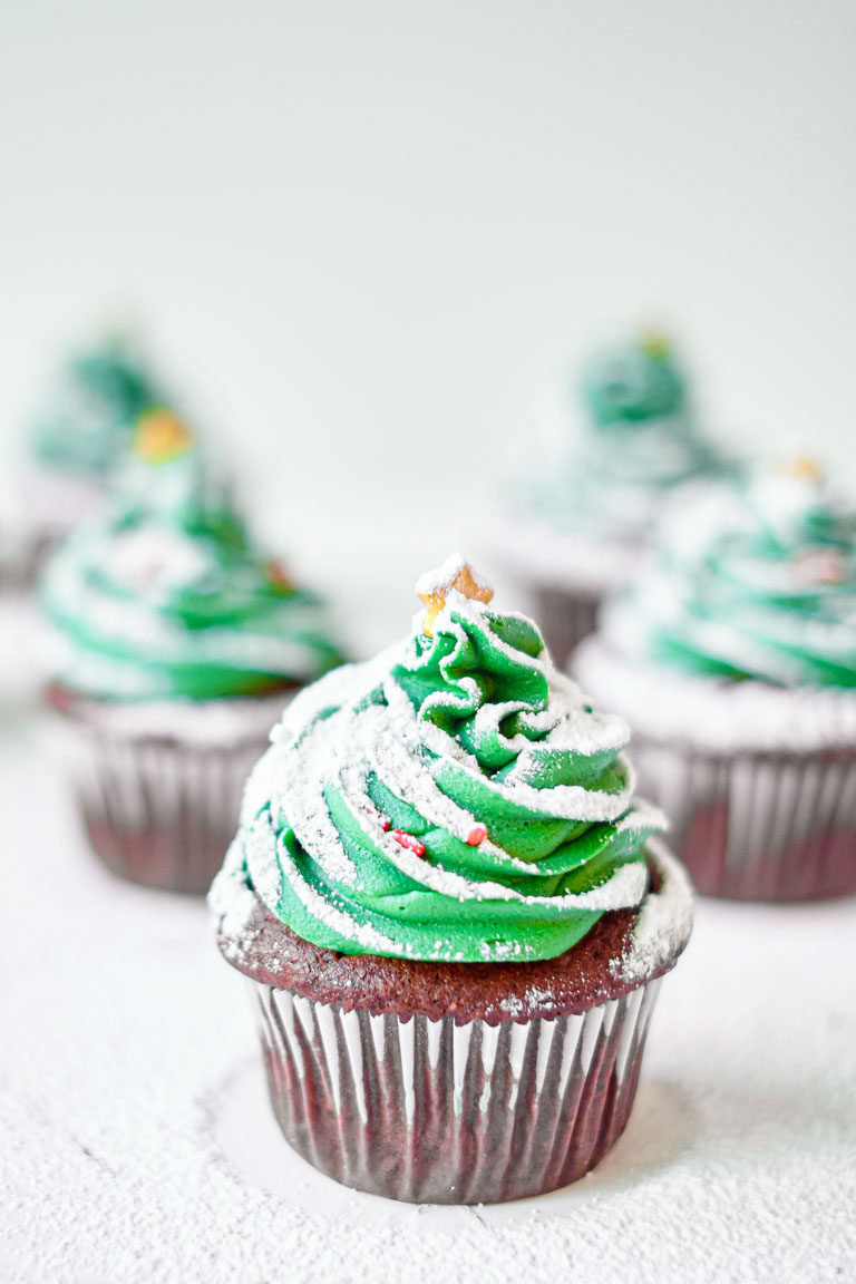 The finished Christmas Tree Cupcakes ready to serve