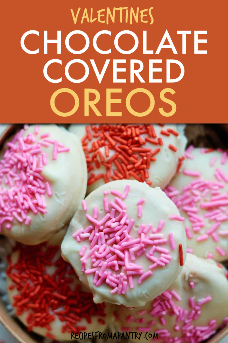 CLOSE UP OF WHITE CHOCOLATE COVERED OREOS