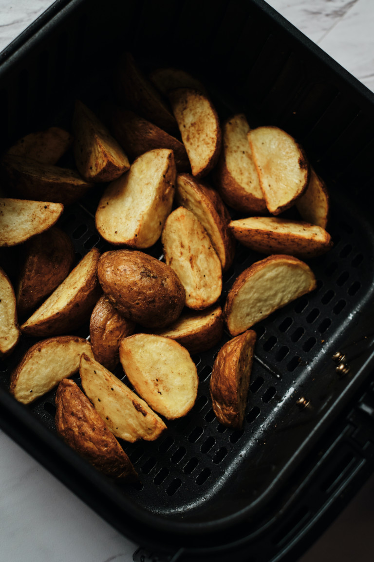 top down view of the completed potato wedges in air fryer recipe
