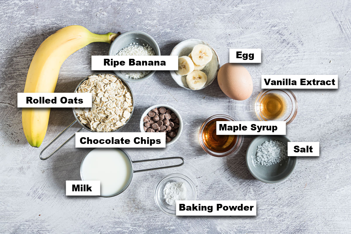 the ingredients needed for making chocolate chip baked oats
