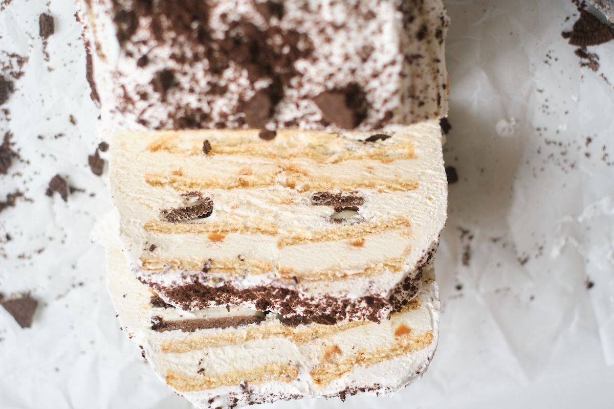 top down view of the sliced ice cream sandwich cake