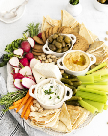 top down view of the completed mezze platter