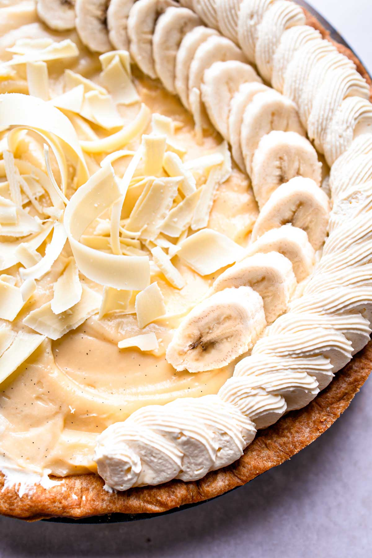 close up view of the completed banana cream pie