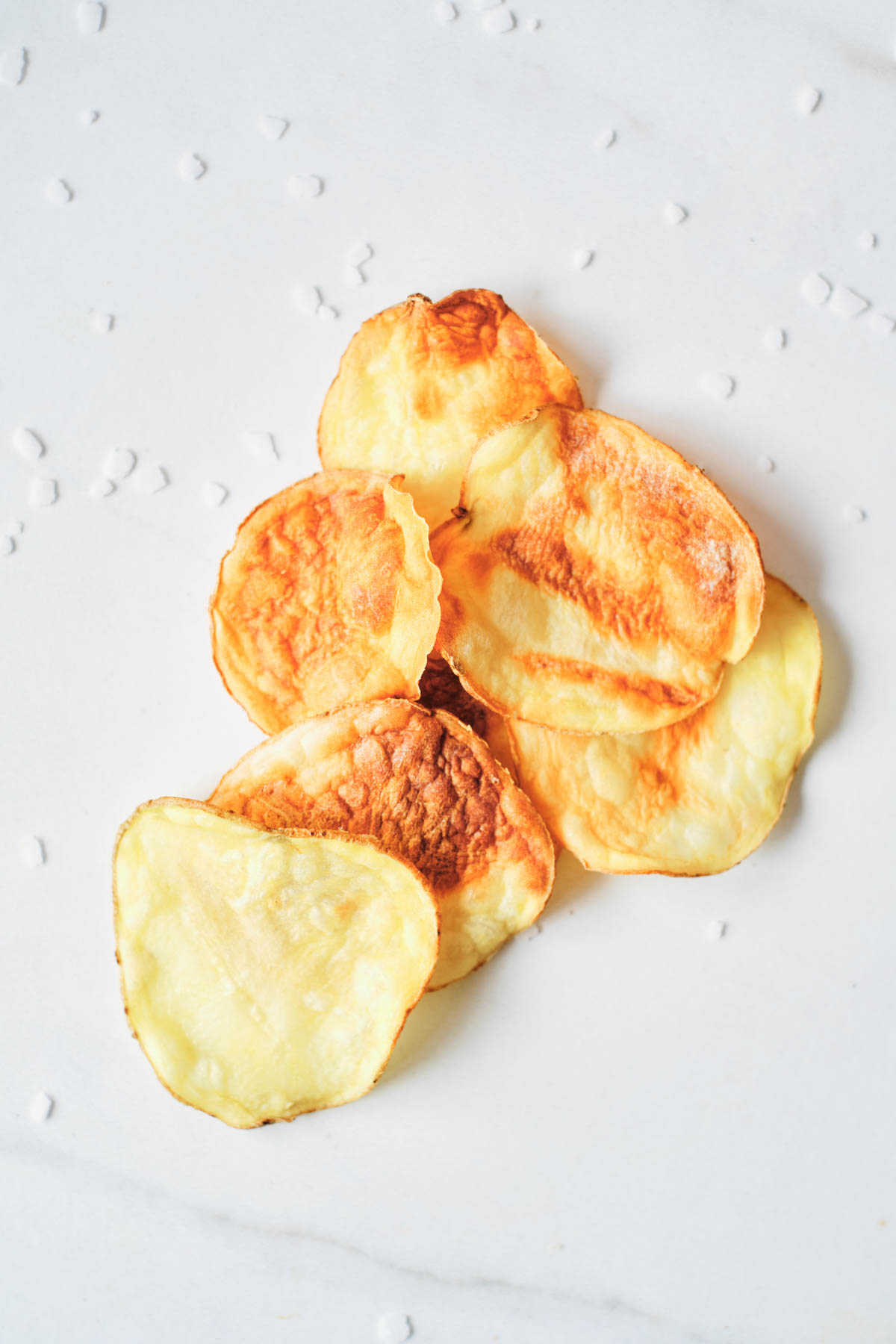 close up view of the airf ryer potato chips